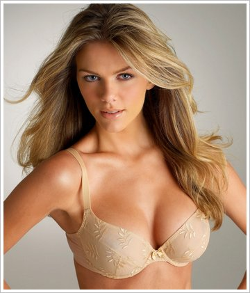brooklyn decker. Brooklyn Decker thinks men her