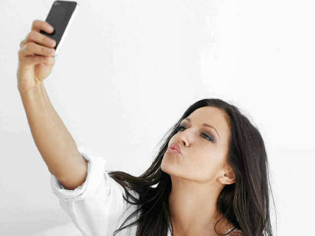 This is how stupid you look when you send intimate selfies to your