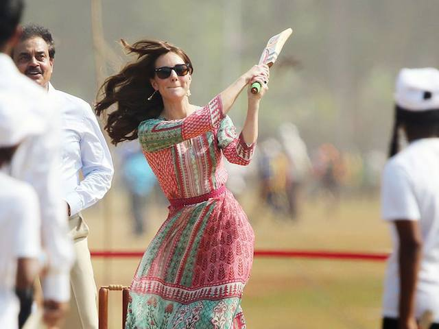 The Royal couple Prince William and Kate Middleton play cricket at the Oval Maidan on their trip to India. Sachin Tendulkar and Dilip Vengsarkar Met them.