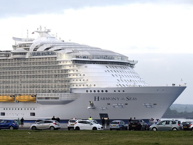 The Largest Cruise Ship Ever Cost R Billion To Build And Has - How much do cruise ships cost to build