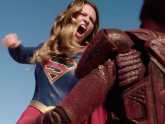 supergirl_fight_1.png.CROP.promovar-mediumlarge