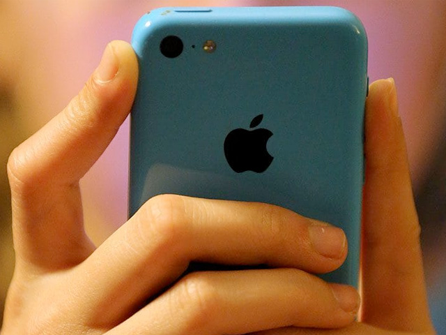 This Is Why Teenagers Sext And Why You'll Never Be Able To Stop It Happening