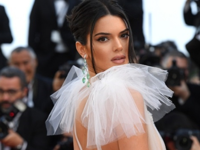 Does Kendall Jenner S Dress At Cannes Count As A Nip Slip