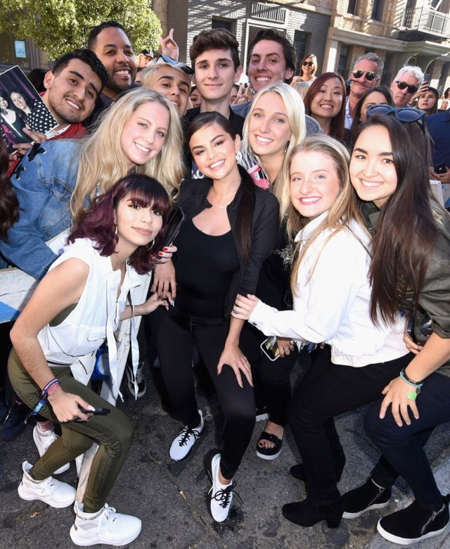8bc73a88701 Selena Gomez Drops New Kicks And The Crowd Goes Wild – 2oceansvibe.com