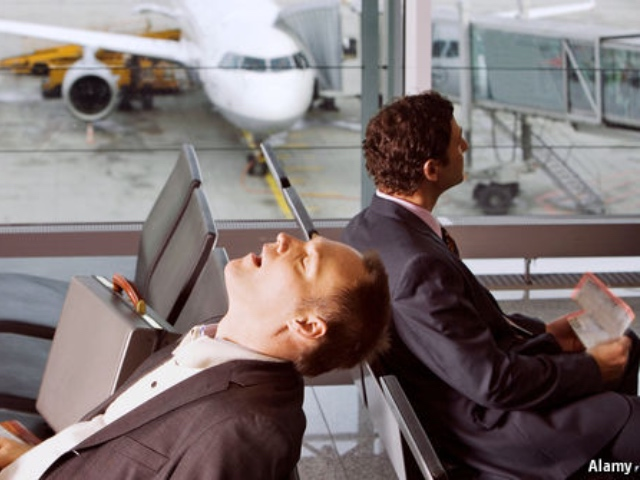 Going Overseas For The Holidays? Do This To Avoid Jet Lag