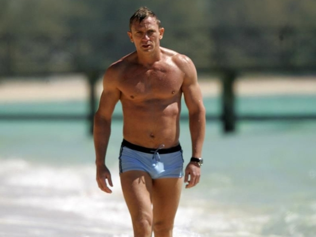 f9c21dc710 People Are Worried That Daniel Craig Is Working Out A Little Too Hard