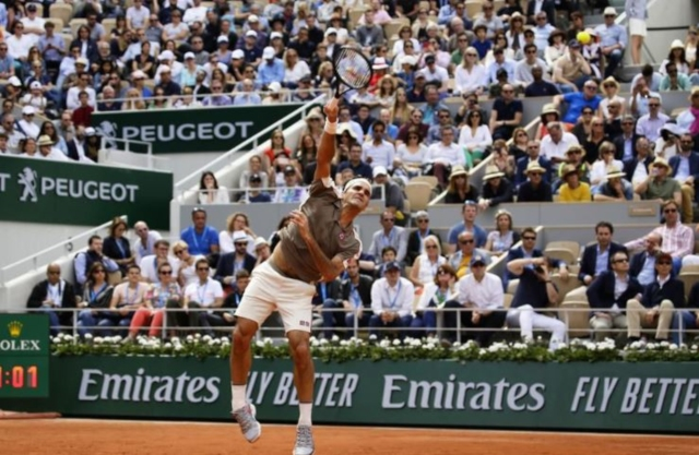 French Open 2019: Roger Federer outclasses Oscar Otte to ease through