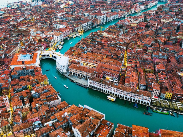 Venice Is Falling Apart At The Seams  –  2oceansvibe.com