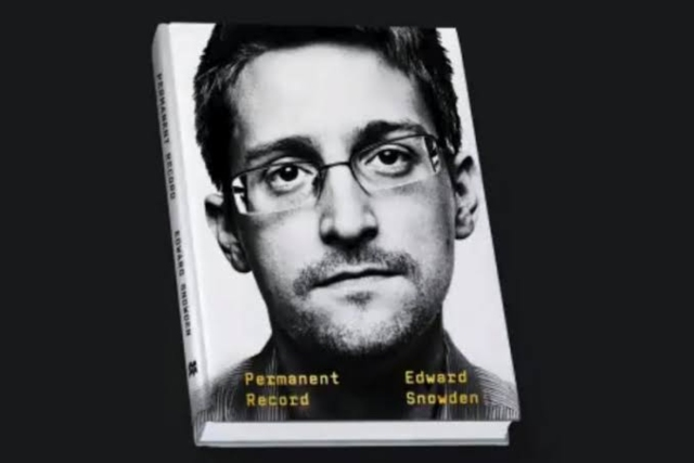 Edward Snowden says he searched CIA, NSA databases for proof of aliens
